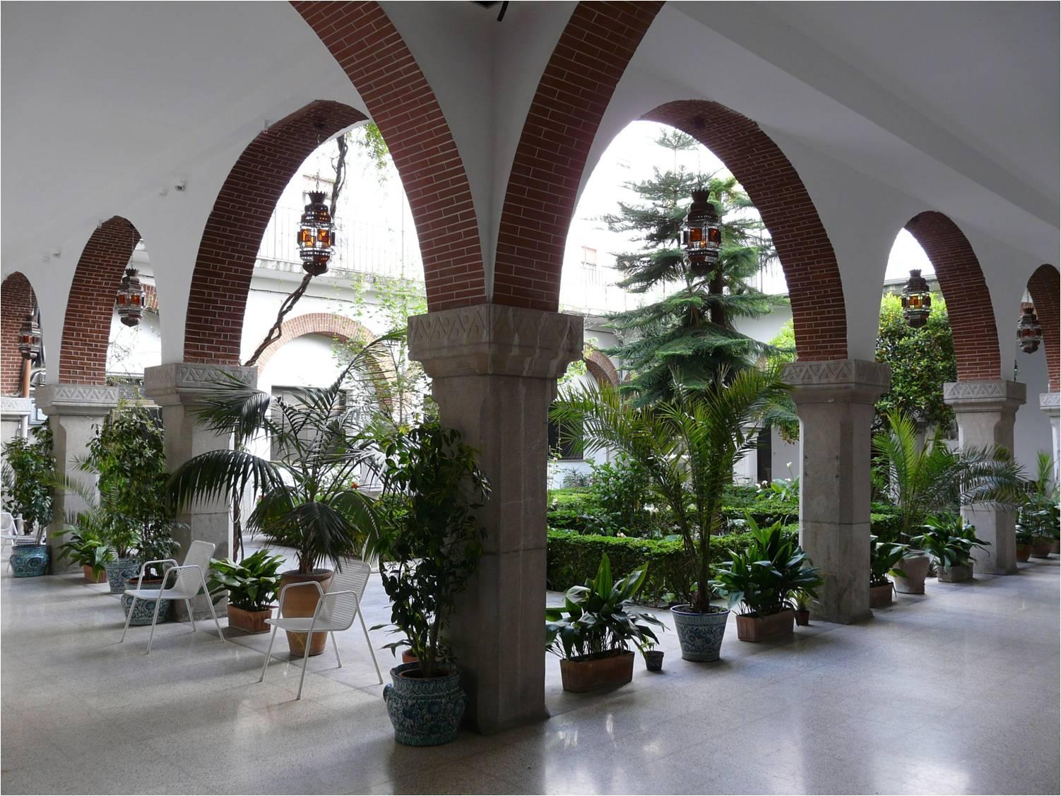 Colegio Mayor Santo Domingo - College & University ...