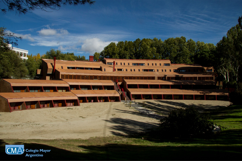El colegio mayor argentino es un centro adscrito a la for Centro asociado de madrid
