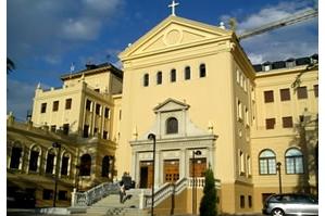 El colegio mayor poveda es un centro adscrito a la for Centro asociado de madrid