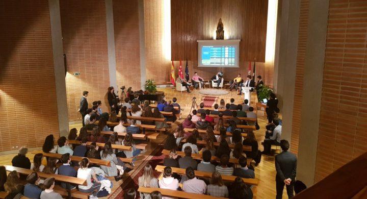 El CMU Aquinas acoge una tertulia política con representantes de los principales partidos.